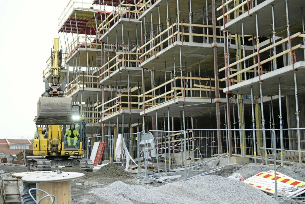 STOR UTBYGGING: Utbyggingene i Ormerudveien er samlet sett de største byggeprosjektene i kommunen akkurat nå, og det er mange boliger som skal bygges. I forbindelse med byggingen har det blitt mye snakk om frykten for sikkerheten for skolebarna på Kolbotn skole.