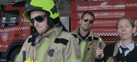 Se de rappende og syngende Lucia-brannfolkene!