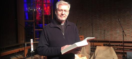 Prest Dag Høyem leser Juleevangeliet for deg!