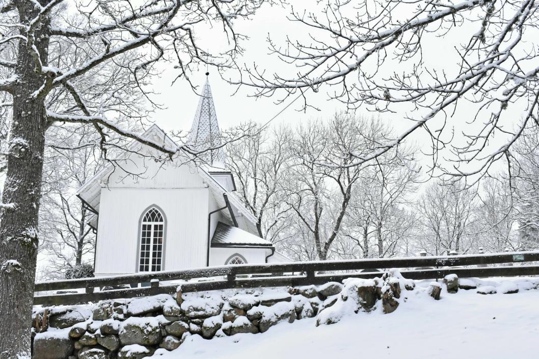 JULESTEMNING: Oppegård kirke - den mange kaller Svartskog kirke, men som ikke heter det. Her spilte Habbestad i flere år på julaften.