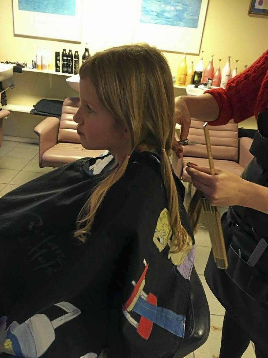 Ida Kristine Grønhaug Haave har donert bort håret sitt til parykker for syke barn.