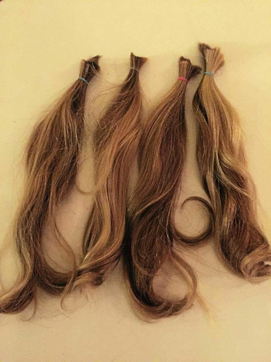 KLART TIL INNSENDING: Håret må være minst 20 cm langt og for å kunne brukes til parykkmaking.