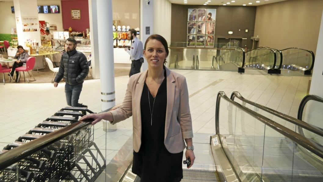 FORNØYD: Senterleder Marianne Thoresen-Larsen gleder seg til å feire senterets tiårsjubileum!