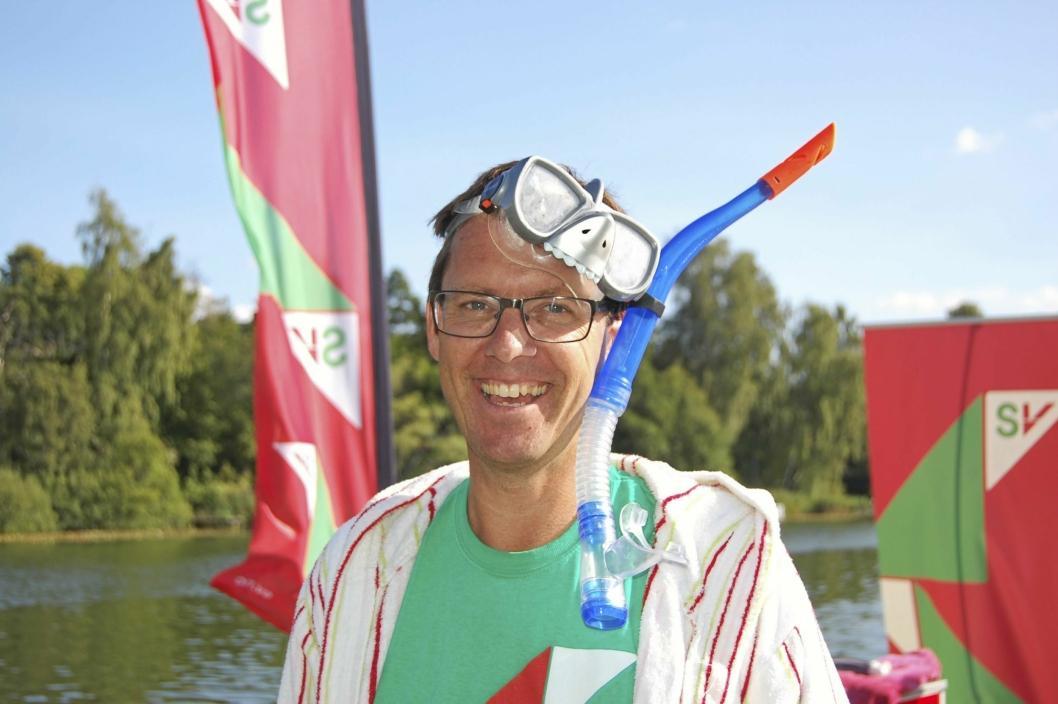 KREATIV: Håkon Gulbrandsen er både politiker og sanger! Bildet er fra aksjonen i sommer.