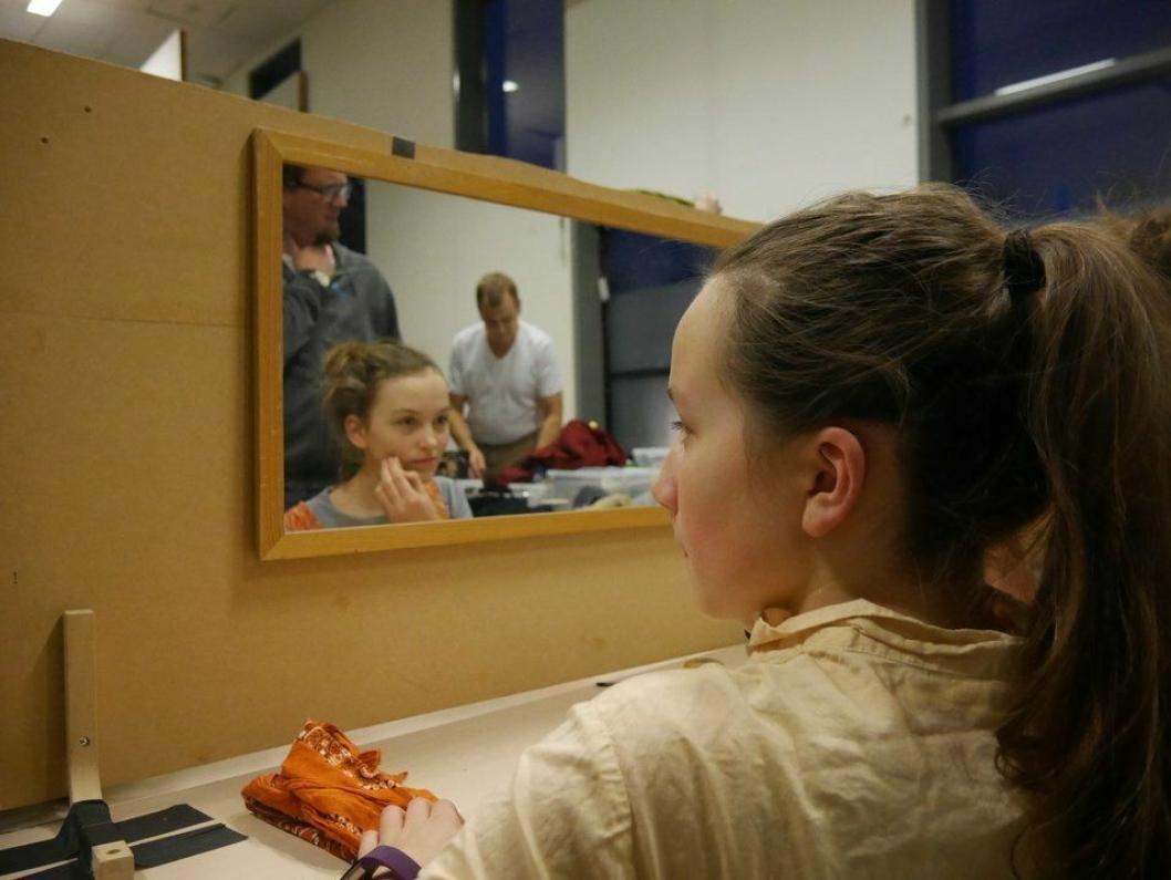 I SMINKEN: Det er på bakrommet magien skapes, før den spilles ut på scenen.