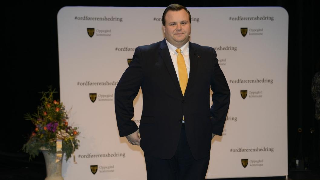 ORDFØRERENS HEDRING: Ordfører Thomas Sjøvold, delte ut mange priser til Oppegård-talenter.