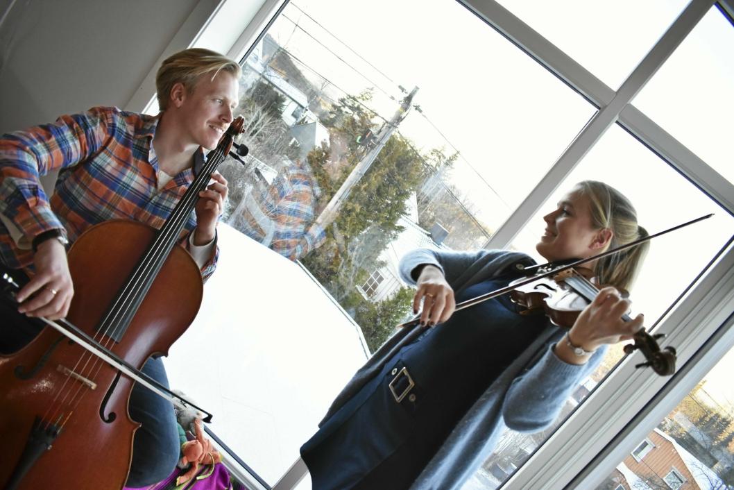 MUSIKALSKE GENER: Tvillingene Ingvild og Erlend Habbestad er barn av Kjell, og har definitivt arvet de musikalske genene.