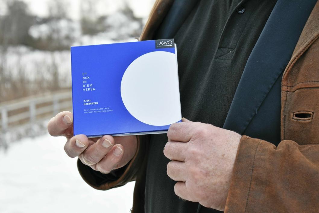 """SAMTID: Habbestad ga ut denne cd-en i 2017: """"Et nox in diem versa"""", sunget av et av verdens beste kor: Latvias Radiokor."""