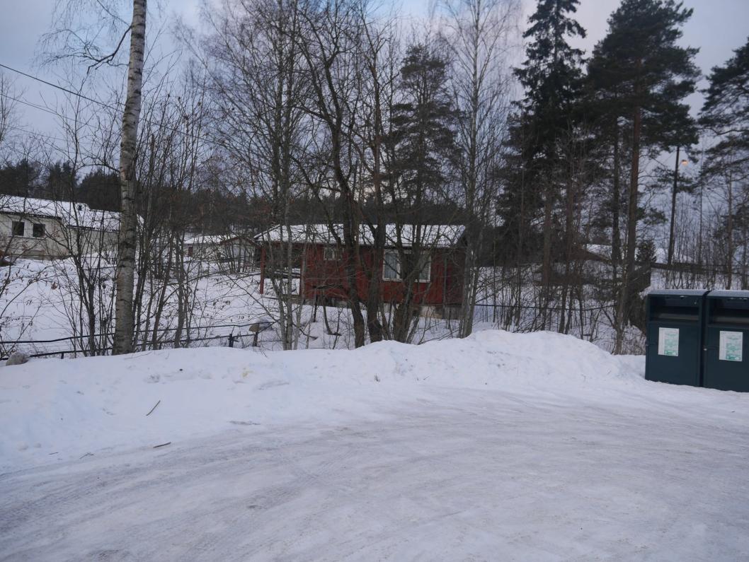 SKAL SELGES: Denne gamle barneparken i Holbergvei 2 på Sofiemyr.