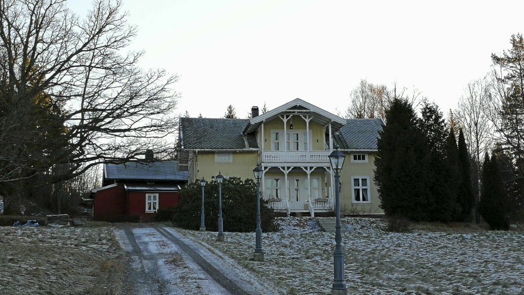 HELT PÅ TOPP - INGEN OVER ELLER VED SIDEN: Den dyreste boligen solgt i Oppegård i fjor var denne i Roald Amundsens vei 145C, 1420 Svartskog. Eneboligen ble solgt den 6. mars for 16.000.000 kroner.