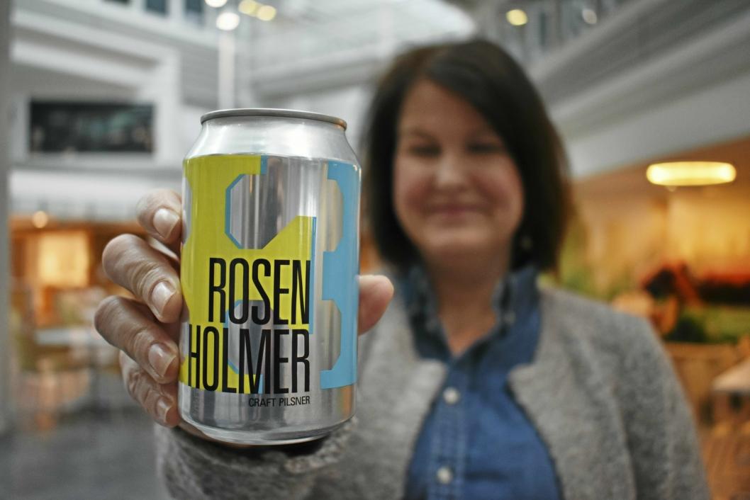 ROSENHOLMER: Her har de til og med sitt eget øl: «Rosenholmer»!
