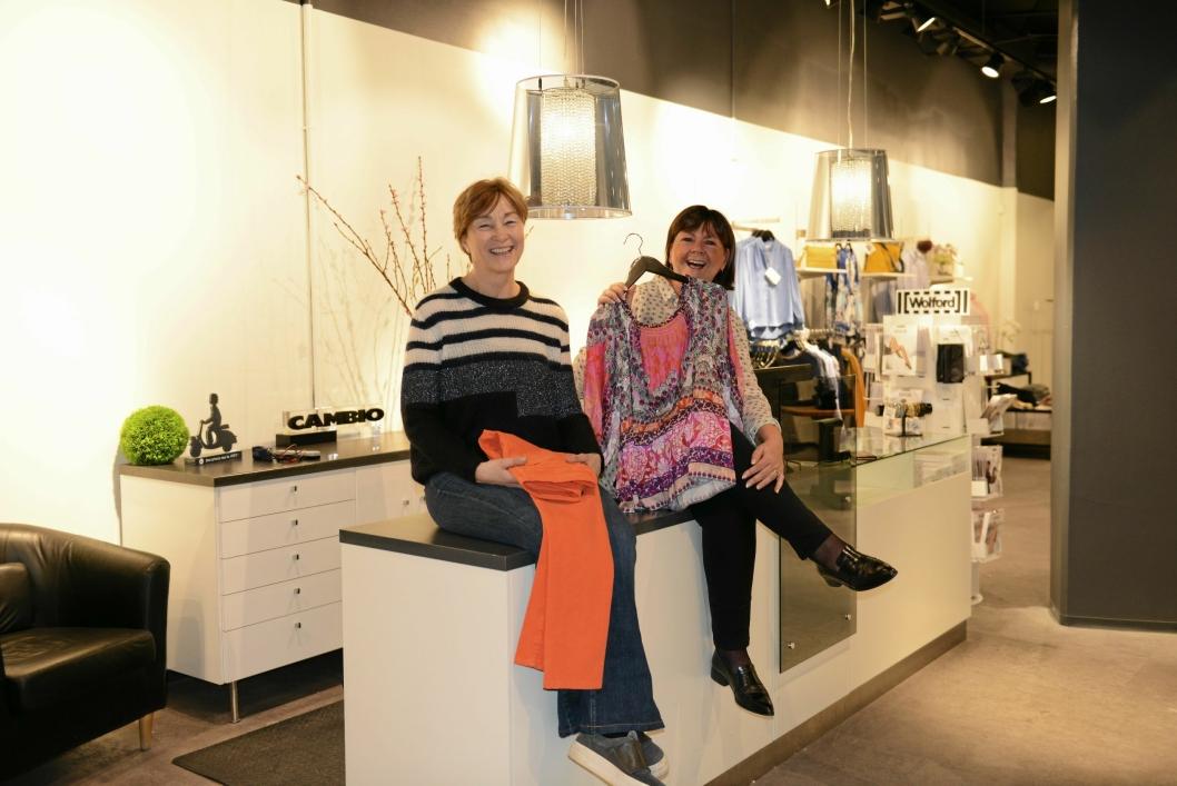 NYTT LOKALE: Anniken Kvamsø (f.v) og Ranveig Ofstad håper mange gamle og nye kunder vil ta turen innom Gunilla i de nye lokalene på Kolbotn Torg.