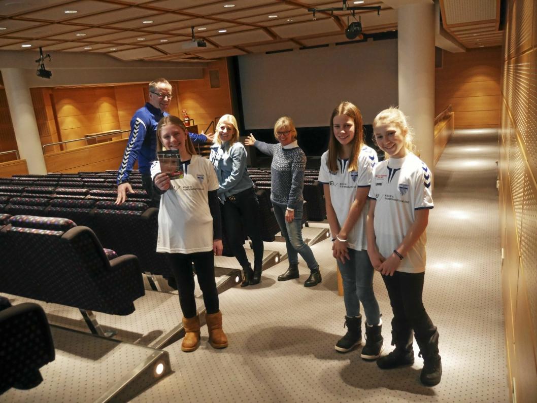 HER SKAL DET SKJE: Foredragskvelden vil skje i den store kinosalen på Rosenholm Campus.
