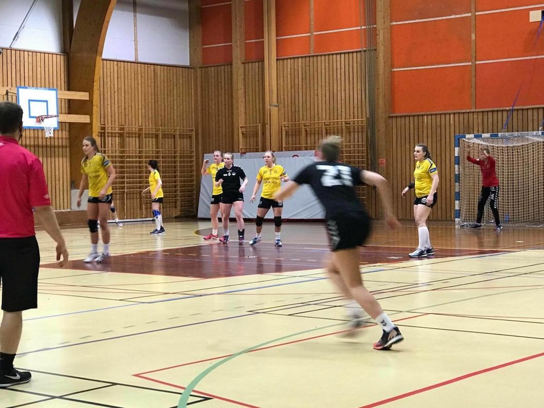 SEIER NOK EN GANG: Det ligger an til sølvplass for Oppegårds damelag i tredjedivisjon. Nok en gang kapret de poeng hjemme sist uke.