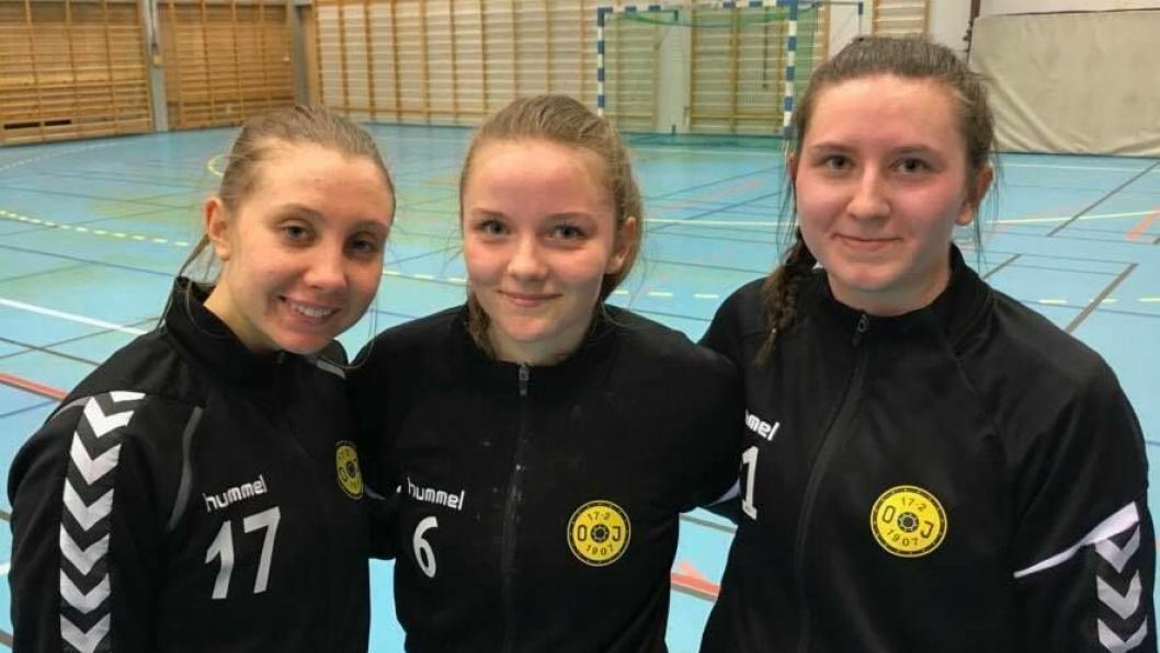 SPILTE: Elise Aarnes, Jeanette Klavestad og Mia Nikolaisen spilte alle i den flotte bortekapmen.