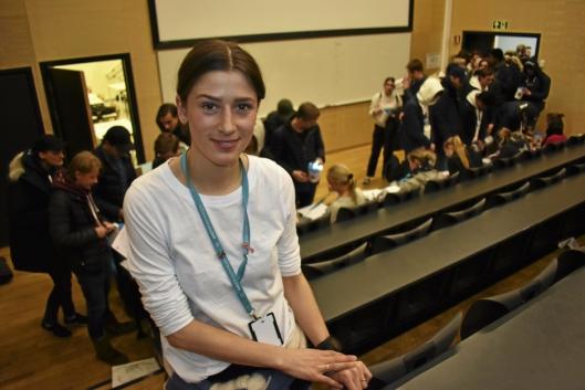 SKRYTER AV ROALD AMUNDSEN: Marthine Barth Jacobsen er aksjonsleder for Oslo og Akershus, og er imponert over hvordan skolens aksjonsledere har organisert det hele.