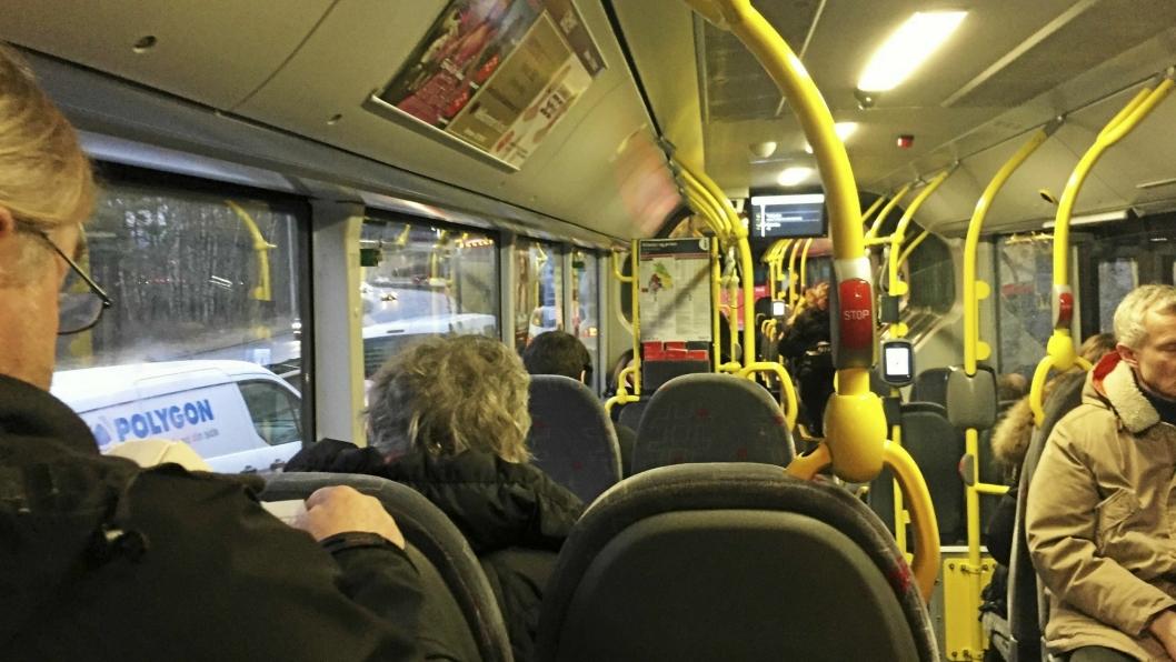 MANGE FOLK: Velfylte busser er noe vi er godt kjent med her i Oppegård.