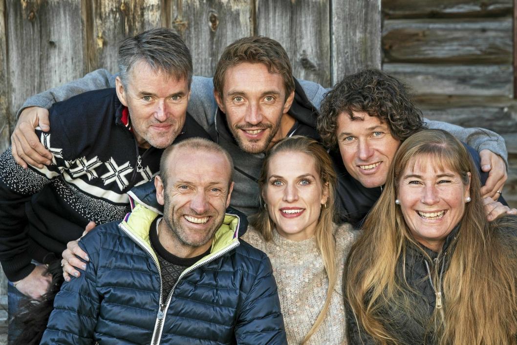 MESTERE: Fra venstre står Torbjørn Løkken, Odd-Bjørn Hjelmeset, Vidar Riseth, Thea Næss, Frode Andresen og Trine Hattestad. Hver deltaker får en egen episode til å fortelle sin historie.