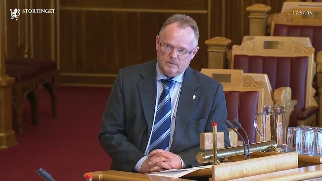 Svarte: Statsråd Per Sandberg (FrP).