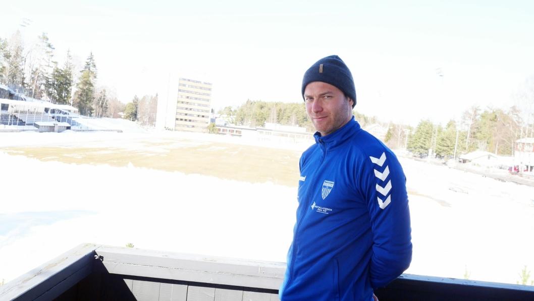 KLAR FOR HELGEN: Kolbotn toppseriedamer er klare for seriestart mot Sandviken i Bergen i helgen, og trener Knut Slatleim gleder seg.