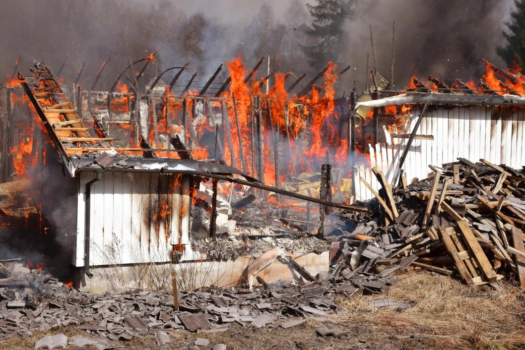 PÅ VAKT: Brannvesenet er alltid på vakt for å hjelpe, men håpet er at man unngår situasjoner som denne ved enkle sjekkrutiner.
