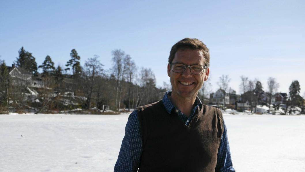 FORNØYD: Håkon Gulbrandsen i SV gleder seg over responsen på hans underskriftkampanje for å rense Kolbotnvannet med en skikkelig dugnad.