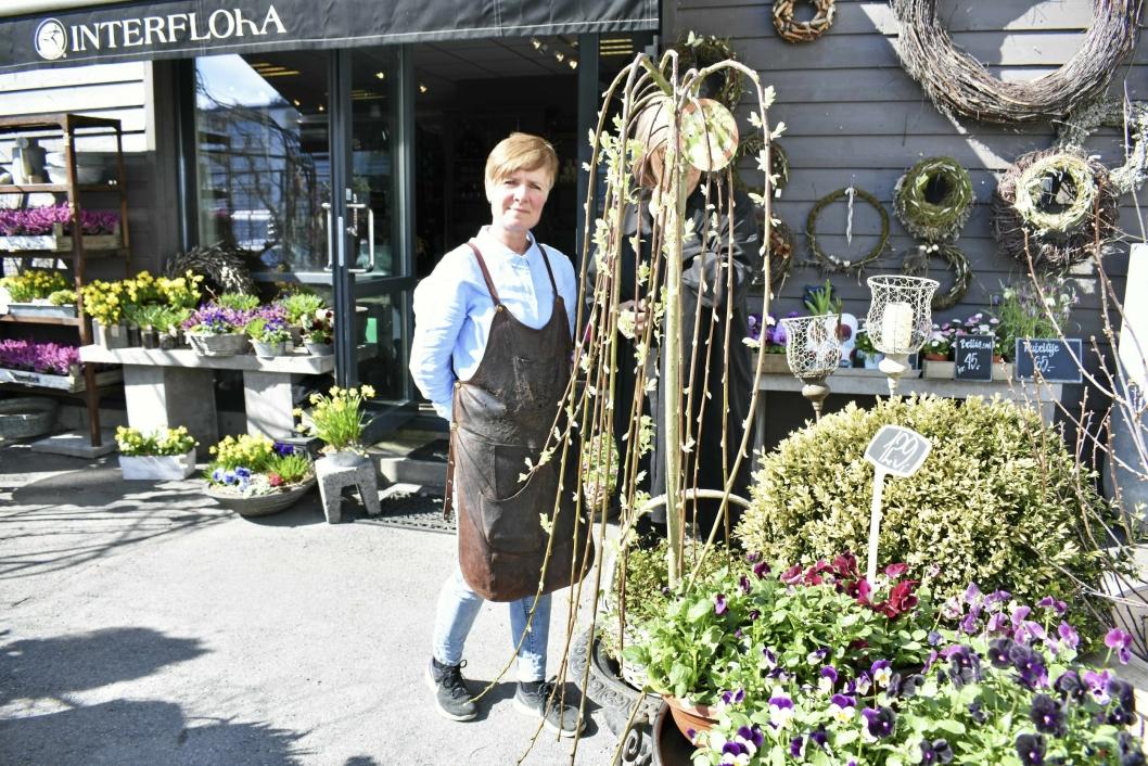 VARIER: Man kan variere i høyde med plantene, og for eksempel kjøpe et lite tre og sette i potte.