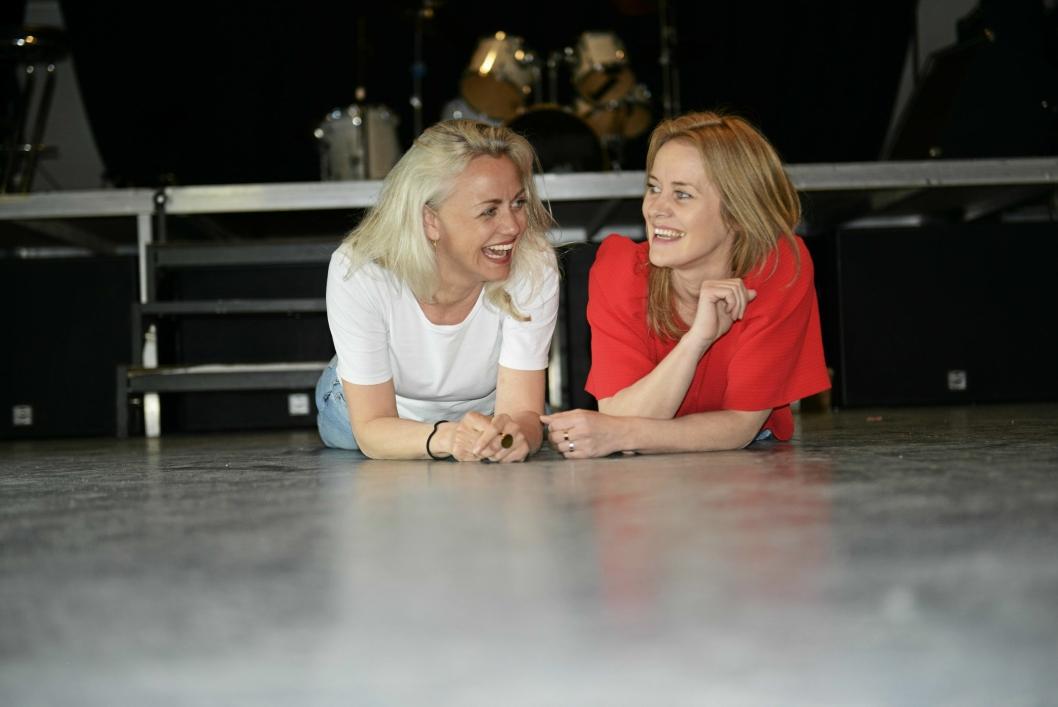 LEK OG MORO: Ida Marie Bakkerud (f.v) og Nina Dehle gleder seg til å komme i gang, med sang, musikk og teater for Oppegårds barn og unge.