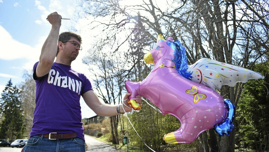 BALLONGFORBUD: Nå er det ulovlig å selge gassballonger på kommunal grunn. Ender det i nasjonalt forbud? Hans Martin Enger (MDG) håper det, og er slettes ikke lei seg for at heliumballongene forsvinner fra 17.mai-feiringen.