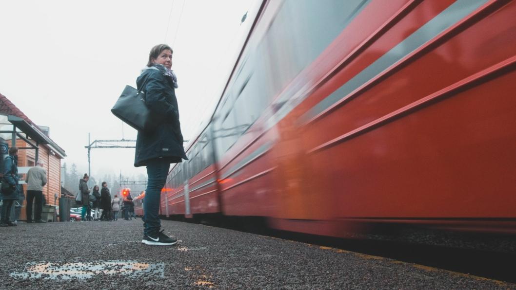 ERFAREN: Ann Kristin Bråthen begynte å pendle med tog mellom Kolbotn og Oslo i 1988. –Det har ikke skjedd så mye siden da, forteller hun.