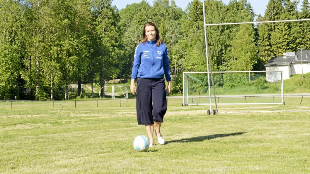 VISER FREM ALT: Ingeborg Dahl-Hilstad gleder seg til vise frem alt som Kolbotn IL har å by på. – Det er så mye mer enn fotball og håndball, som alle kjenner til, sier hun.