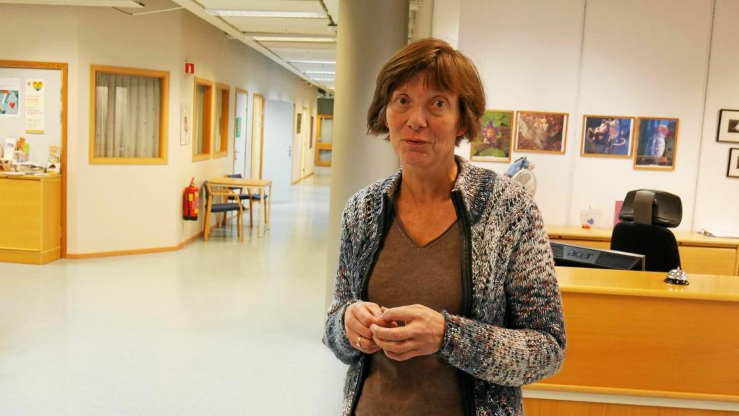 TILTAK: – Vi kan vurdere å sette inn en glass-luke i resepsjonene, sier virksomhetsleder for Helsetjenesten, Aina Geitz.