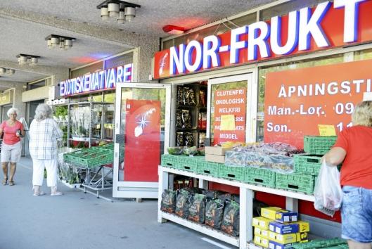 FRUKT- OG GRØNTMARKED: Nor-Frukt har allerede litt markedspreg over seg til vanlig, men under markedsagene lover de å finne på noe utenom det vanlige.