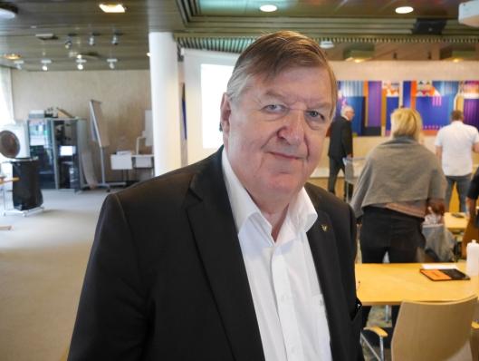 BEKLAGET: UMP-leder og varaordfører Kjell Pettersen beklaget i kommunestyret.