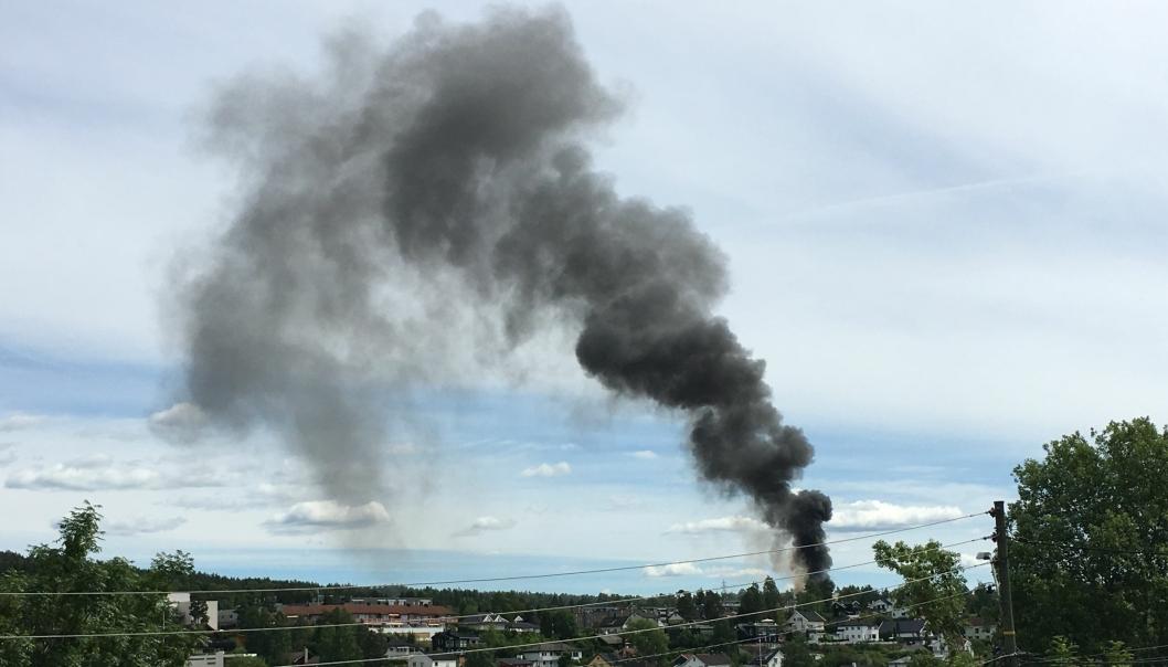 BRANN: En leser har sendt oss et bilde som viser brannen på Tårnsen.