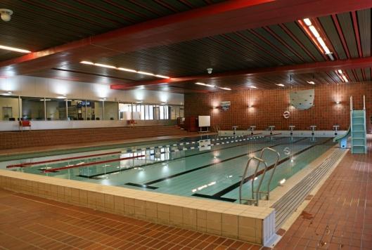 SOFIEMYR SVØMMEHALL: Det store bassenget ved Sofiemyr svømmehall har kapasitet på 650.000 liter.