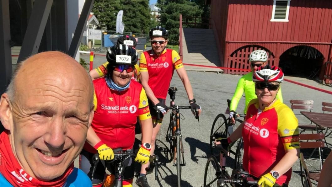MAKS PULS: Bror av daglig leder Kim Balslev er Jørn Balslev (forrest i bildet), og driver Maxpulse, som er et datterselskap av Expert Reiser. De tilbyr aktive reiser, som for eksempel denne opplevelsen hvor de syklet Den Store Styrkeprøven fra Gjøvik til Oslo.