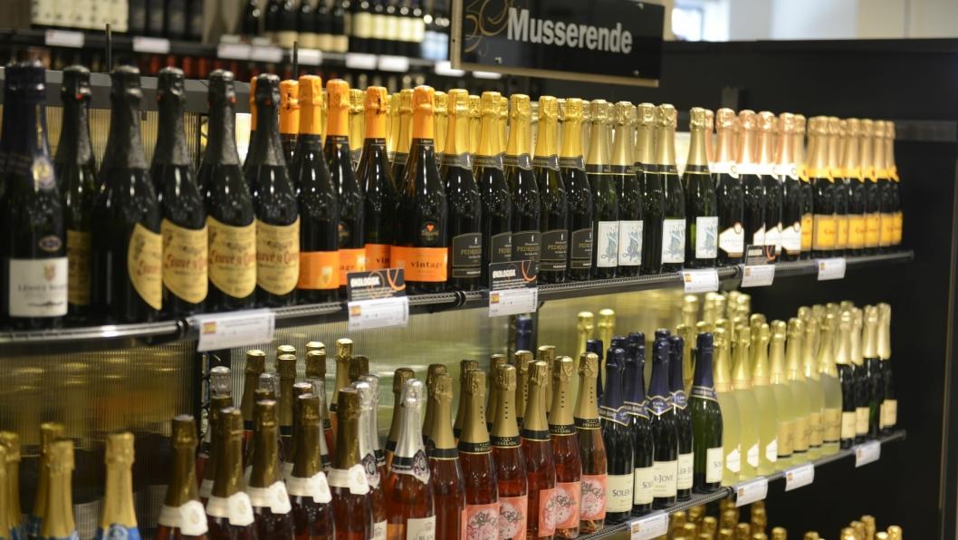 HVA VELGER DU?: Lyse viner og musserende er alltid populært på sommeren, men hva er din favoritt?