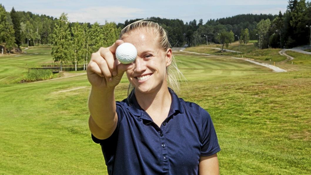 FOKUS: Michelle Forsland kombinerer utdannelse med golftrening, med sikte på å kunne leve av golfen etter endt skolegang.