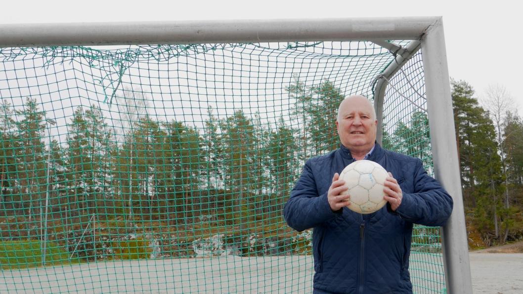 GLAD: Håkon Bekkestad fra Kolbotn IL er glad for at arbeidet med banen har startet.