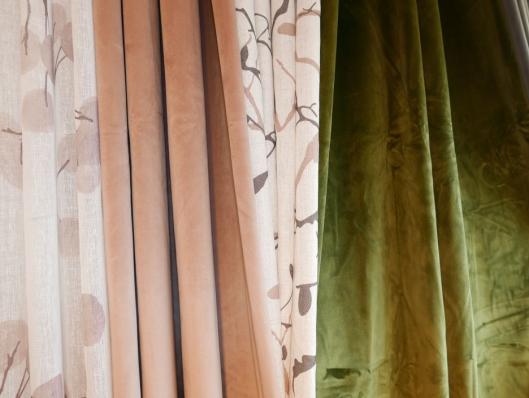 FINE KOMBINASJONER: Det finnes mange flotte stoffer som kan kombineres med tynne tekstiler.