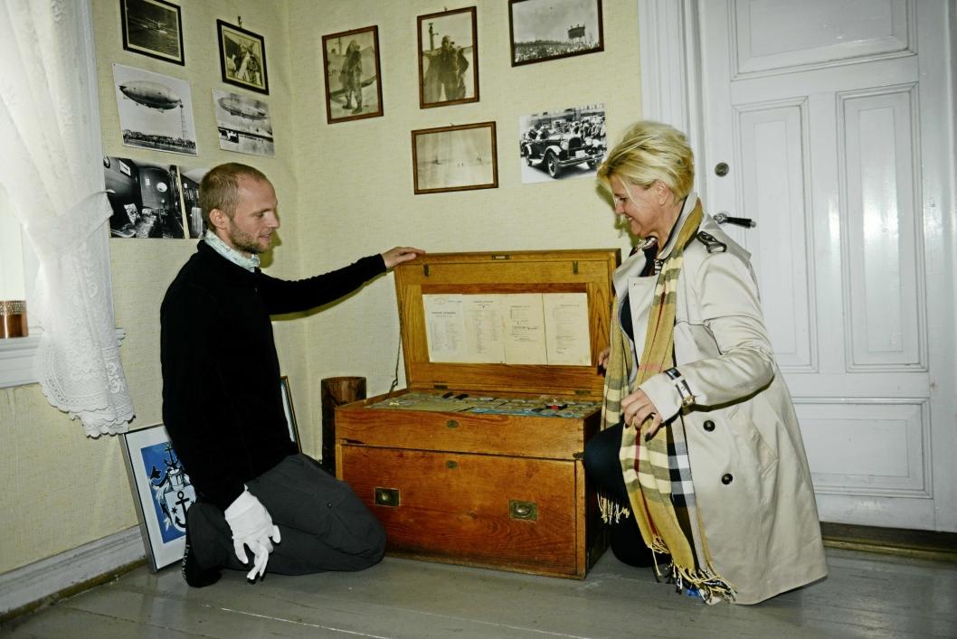 Villa Sandvigen og Roald Amundsen slår seg sammen og serverer festmenyer fra Amundsens gamle menykart. Anders Bache er daglig leder ved Roald Amundsen Hjemmet og Lena Garstad Mark.sjef ved Resturant Villa Sandvigen 1859 - 2019 - 160 års jubilant i 2019