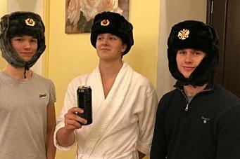 Storkoste seg i Russland