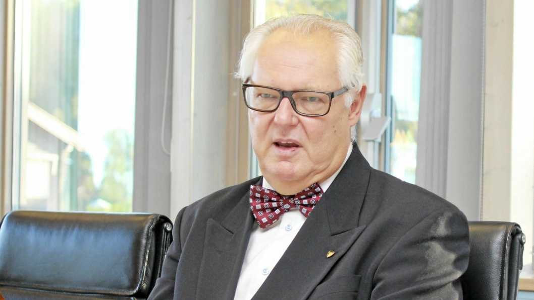 FORKLARER: – Kommunen har en økt utskiftning av vann- og avløpsrør. Utgiftsnivået er høyere enn inntektene har vært de siste årene. Det har særlig sammenheng med at gebyrene for 2018 ble ikke justert, sier rådmann Lars Henrik Bøhler.
