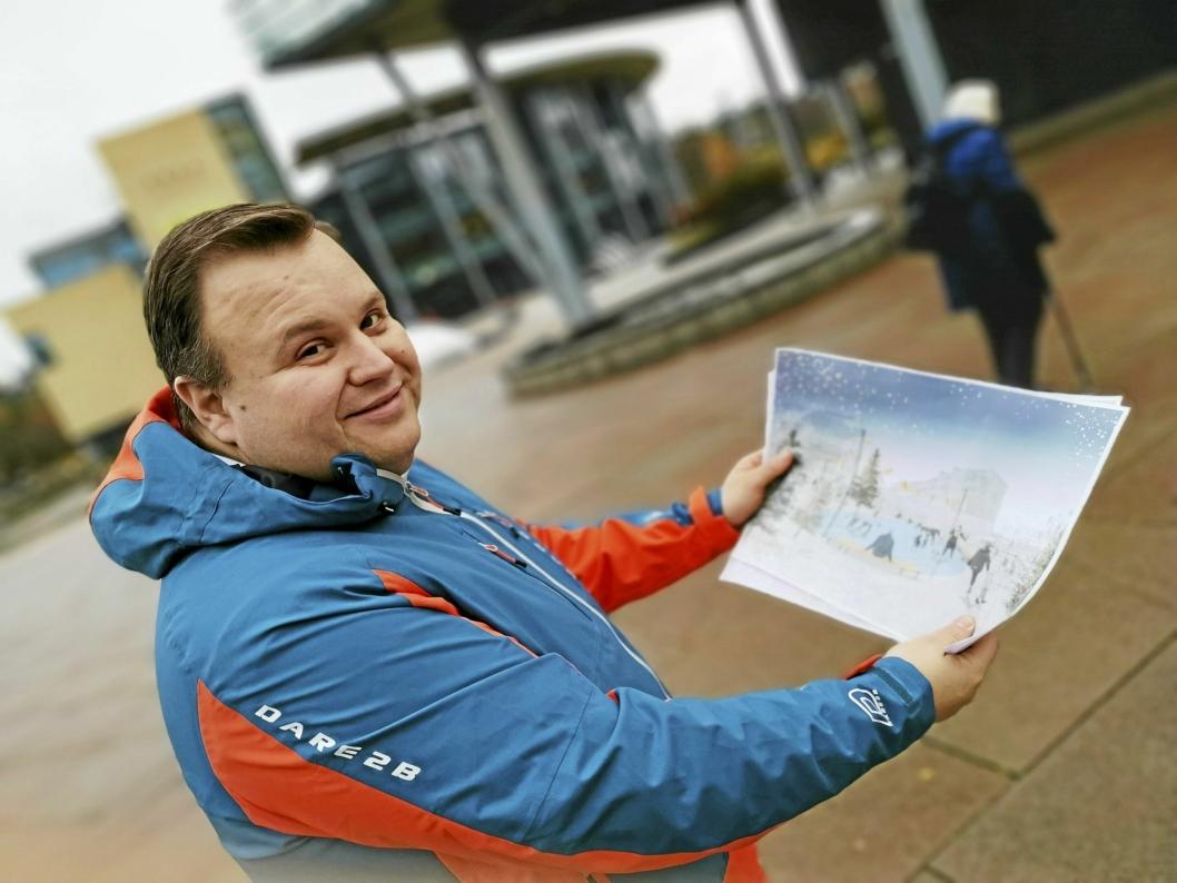 PÅ STEDET: Ordfører Thomas Sjøvold studerer skissen over hvordan skøytebanen på torget blir seende ut.