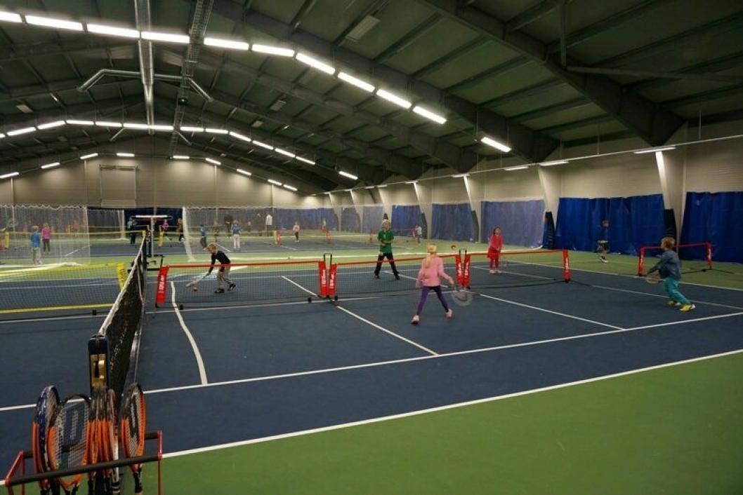 HIT VIL DE: Med den nye firebaners tennishall plassert på Sofiemyr, i umiddelbar nærhet til to barnehager, barneskole, ungdomsskole og videregående skole, vil den lokale tennisklubben kunne tilby et svært bredt spekter av et fullverdig, helårstennistilbud for barn og unge.