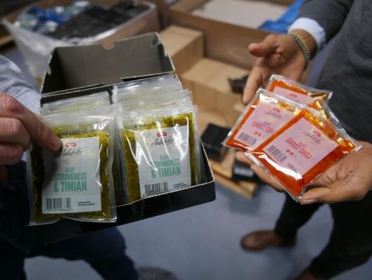 FERDIGE MARINADER: Solinas marinader selges også i små poser i dagligvarebutikker, men navnet Solina kommer ikke frem.