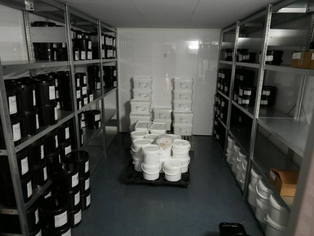 KJØLELAGER: Noen av varene oppbevares i et kjølelager.