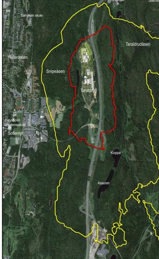 OMTRENT RØD STØYSONE: Paal Sjøvall viser til kartet fra reguleringsplanen til PNB. – På kartet kan du se gul linje som snurper seg rundt hushjørnene. Her, innenfor den gule støysonen (60 dB), er det ikke lov å bygge, men den gule streken på kartet tilsvarer omtrent rød støysone (70 dB) i henhold til de kommunale støysonene, sier Sjøvall.
