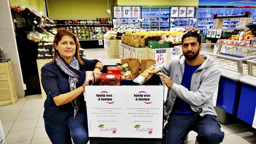 HJELPER ANDRE: Marit Duggal i Hjelp oss å hjelpe - Akershus og kjøpmann Monir Hussain håper på mange donasjoner i innsamlingskurven på Rema 1000 Kolbotn.
